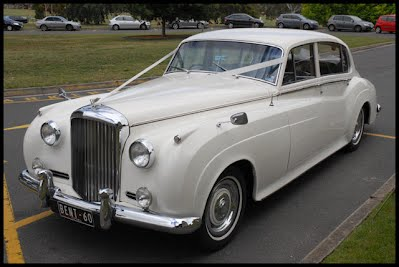 Bentley Silver Cloud in White